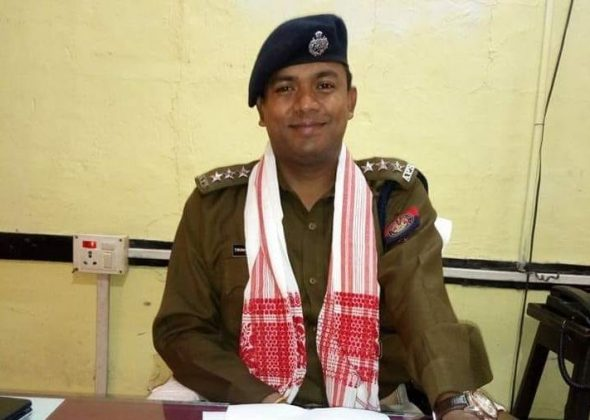 Friends and well-wishers of Deputy Superintendent of Police (HQ) Dhubri, Trinayan Bhuyan expressed concern after reports surfaced that he was attacked by cattle smugglers in West Bengal. Photo courtesy: Bhuyan's Facebook page